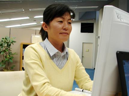 総務経理室(パート) 荒牧 千鶴(平成25年4月入社)