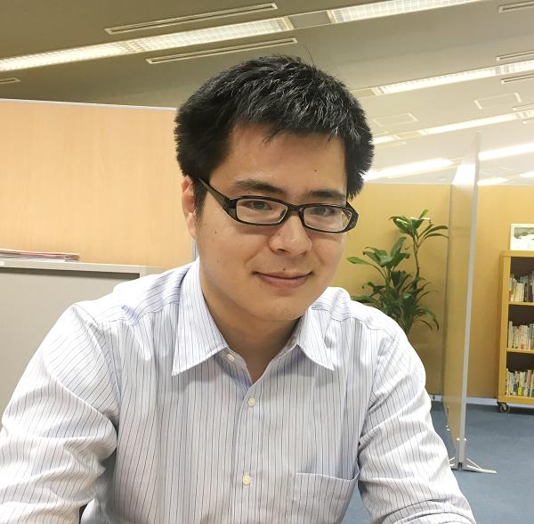 総務経理室 副主任 林 孝裕